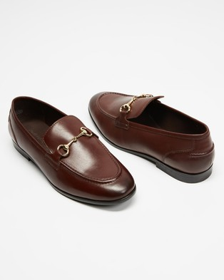 Double Oak Mills Garnet Leather Loafers - Dress Shoes (Brown)
