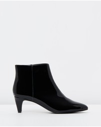 Atmos&Here - ICONIC EXCLUSIVE - Lexi Leather Ankle Boots