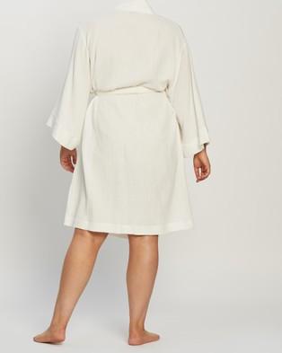 Atmos&Here Curvy Cotton Robe - Sleepwear (Whisper White)