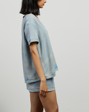 Cecilie Copenhagen Shirt V SS - Tops (Cloud)