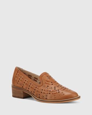 Wittner Flash Leather Block Heel Loafers Flats Tan