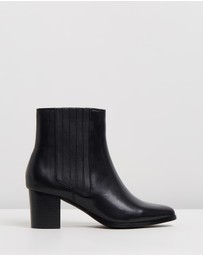 Atmos&Here - Basia Leather Ankle Boots