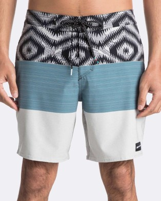 Quiksilver – Mens Tijuana 18″ Beach Short – Swimwear (SLATE GRAY)