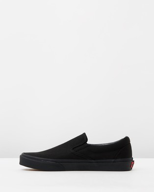 Vans - Classic Slip On - Slip-On Sneakers (Black) Classic Slip-On