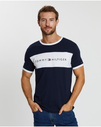 Tommy Hilfiger - SS Logo Flag Tee