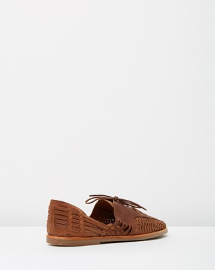 Urge - Morocco - Casual Shoes (Mocha Oily Leather) Morocco