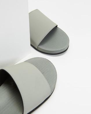 Indosole ESSENTLS Slides   Women's - Sandals (Granite)