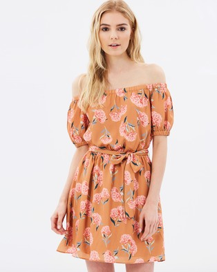 Atmos & Here – Selma Off Shoulder Dress – Dresses (Mustard Floral)