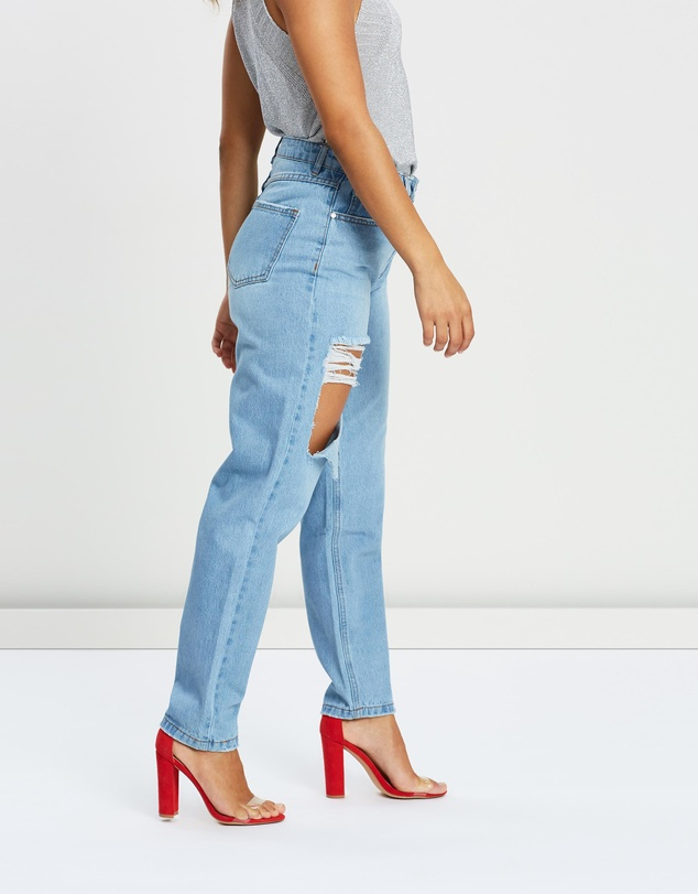 Missguided Petite - Riot High-Waisted Mom Jeans