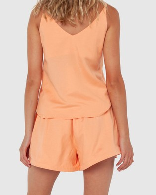 Madison The Label Calli Shorts - High-Waisted (Apricot)