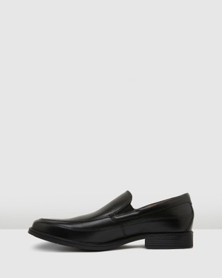 Clarks Tilden Free - Dress Shoes (Black Leather)