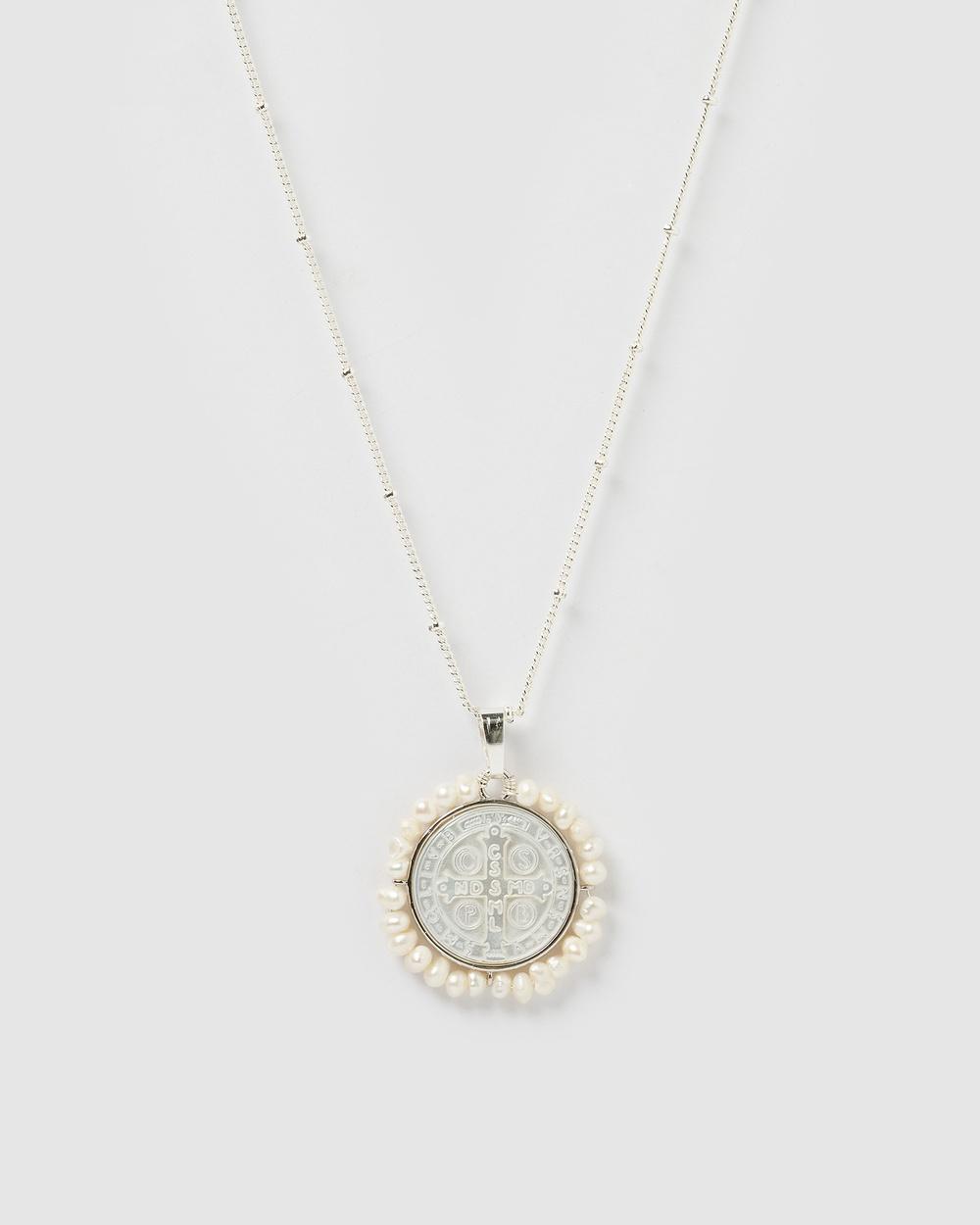 Miz Casa and Co Corinne Medallion Necklace Jewellery Silver