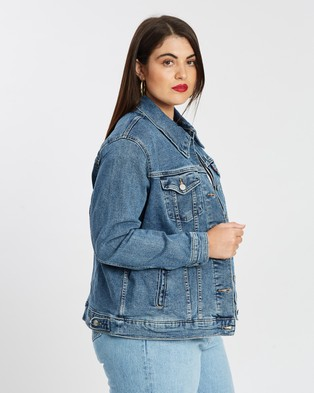 Levi's Curve Ex Boyfriend Trucker Jacket - Denim jacket (Soft As Butter Plus)