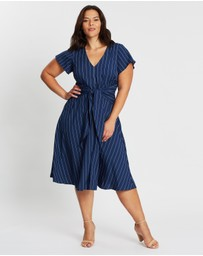 Atmos&Here Curvy - ICONIC EXCLUSIVE - Tie Front Midi Dress
