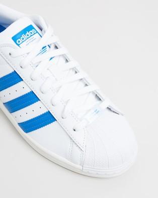 adidas Originals Superstar   Unisex - Sneakers (Footwear White, Bluebird & Off White)
