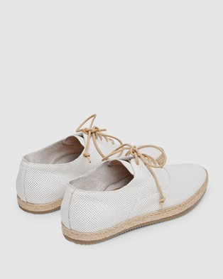 Aquila Cottesloe Casual Shoes - Casual Shoes (Off White)