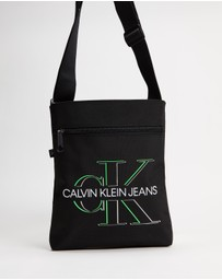 Calvin Klein Jeans - Flatpack with Front Zip Crossbody Bag