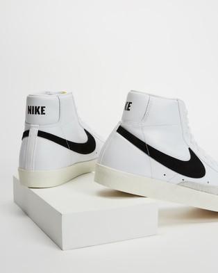 Nike Blazer Mid '77 Vintage   Men's - Lifestyle Sneakers (White & Black)