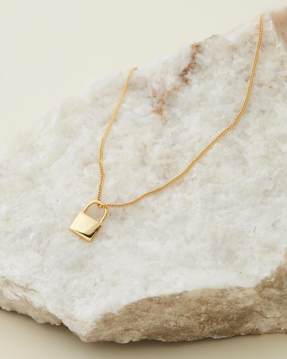 Avant Studio Seine Mini Lock Necklace Jewellery Gold