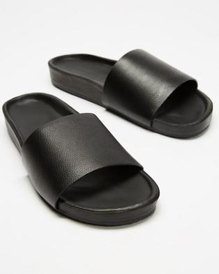 Assembly Label Single Strap Slides   Women's - Sandals (Black)