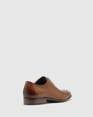 Oxford Clarence Oxford Dress Shoe - Dress Shoes (Brown)