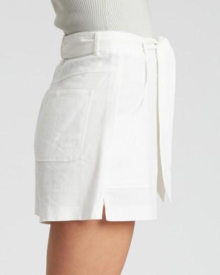Calli Nailea Shorts - High-Waisted (White)