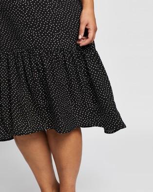 Atmos&Here Curvy Antonia Midi Dress - Printed Dresses (Black)