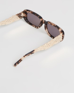 Amber Sceats Maison Glasses - Sunglasses (Tortoiseshell)