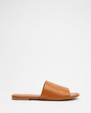 SPURR Adele Comfort Slides Shoes Tan Smooth