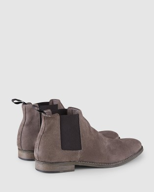 Aquila Hardin Chelsea Boots - Boots (Taupe)
