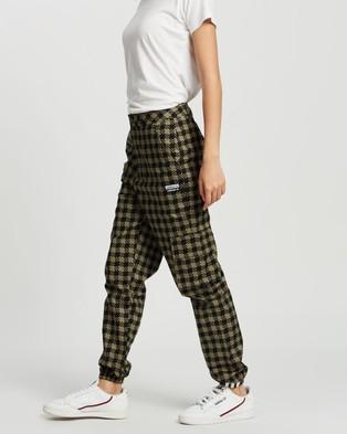 adidas Originals R.Y.V Cargo Pants   Women's - Cargo Pants (Legacy Green)