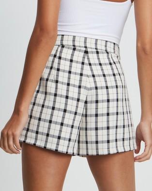 Tussah Kora Shorts - High-Waisted (White Based Check)