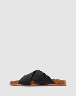 Urge Elka - Sandals (Black)