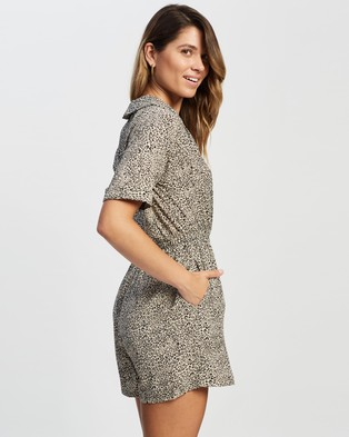 Atmos&Here Dayana Playsuit - Jumpsuits & Playsuits (Leopard Print)