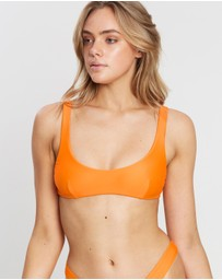 IT'S NOW COOL - Low Back Crop Top