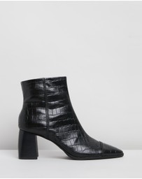 Skin - Arbor Leather Ankle Boots