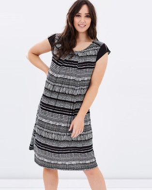 Advocado Plus – Aztec Shift Dress
