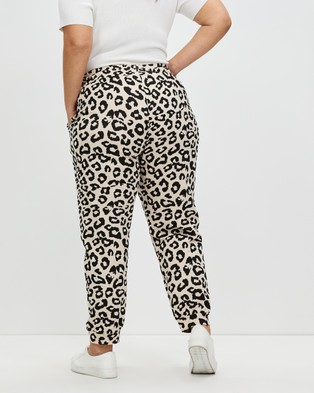 Atmos&Here Curvy Vanessa Relaxed Sweat Pants Sweatpants Neutral Animal