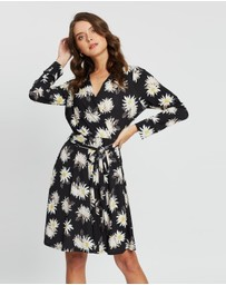 Wallis Petite - Spaced Floral Long Sleeve Wrap Dress