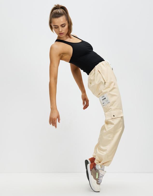 Women Half Court Pants