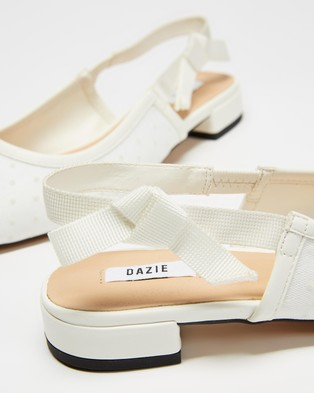 Dazie Blossom Flats - Ballet Flats (White Polka Dot)