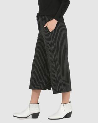 Faye Black Label Wide Leg Culottes - Pants (Black Stripe)