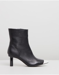 Atmos&Here - Ines Leather Ankle Boots