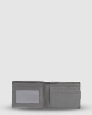 Cobb & Co Jones RFID Safe Leather Wallet - Wallets (Grey)