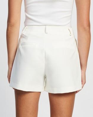 Atmos&Here Ann Mid Rise Shorts - Shorts (White)