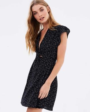 MINKPINK – Ingrid Tie Front Wrap Dress – Dresses (Black & Off White)