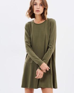 Atmos & Here – Drop Waist Dress – Dresses (Khaki)