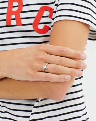 Aletheia & Phos I Carry Your Heart Ring - Jewellery (Silver)