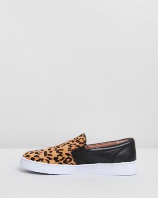 Vionic Demetra Slip On Sneakers - Slip-On Sneakers (Tan Leopard)