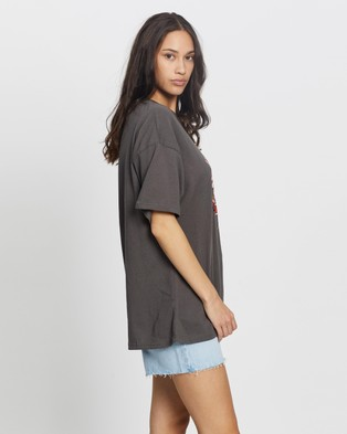 Jagger & Stone The Bad Gal Tee - T-Shirts & Singlets (Charcoal)